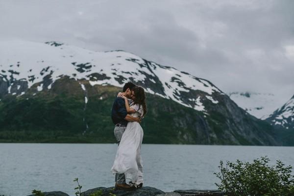Alaskan-Elopement-Inspiration-at-Portage-Lake-Jess-Hunter-Photography-5918