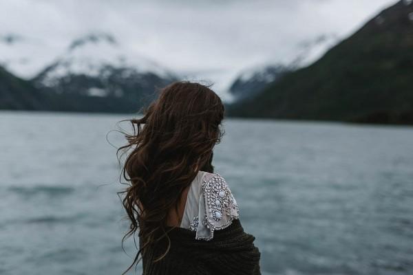 Alaskan-Elopement-Inspiration-at-Portage-Lake-Jess-Hunter-Photography-6017