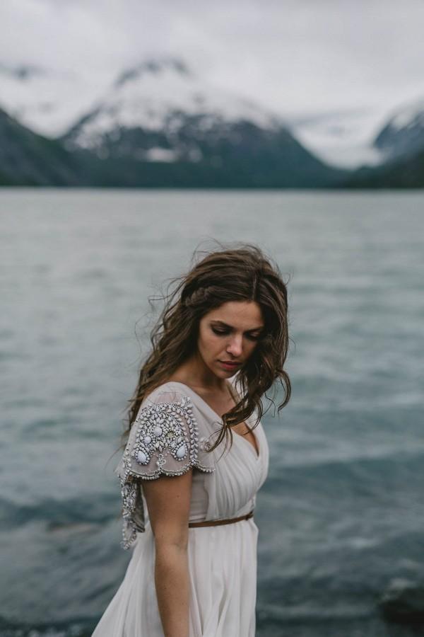 Alaskan-Elopement-Inspiration-at-Portage-Lake-Jess-Hunter-Photography-6025