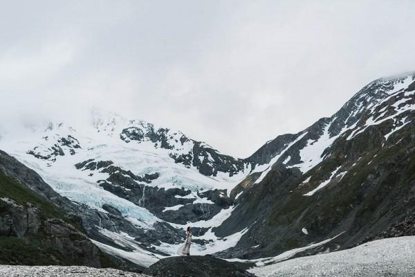 Alaskan-Elopement-Inspiration-at-Portage-Lake-Jess-Hunter-Photography-6190