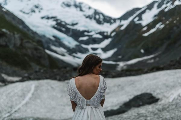 Alaskan-Elopement-Inspiration-at-Portage-Lake-Jess-Hunter-Photography-6309