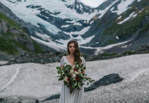 Alaskan-Elopement-Inspiration-at-Portage-Lake-Jess-Hunter-Photography-6328
