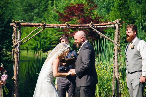 Alternative-Bohemian-Wedding-at-Storybook-Farm-Julia-Kinnunen-Photography-7128