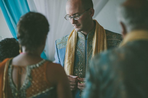 Blue-and-Gold-Hindu-Wedding-Villetto-Photography-387