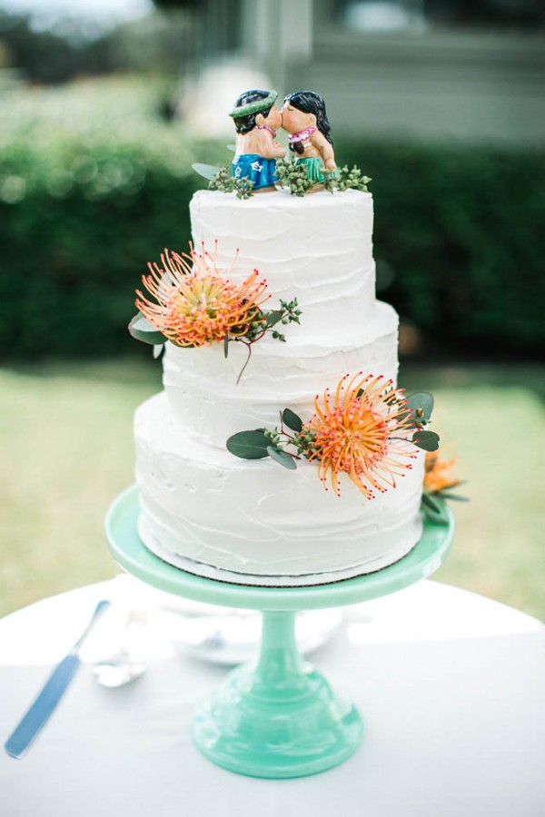 tropical wedding cake pictures chic hawaiian wedding at sunset ranch junebug weddings 21278