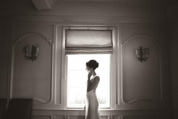 Elegant-Toronto-Wedding-at-Auberge-du-Pommier-Ash-Nayler-31