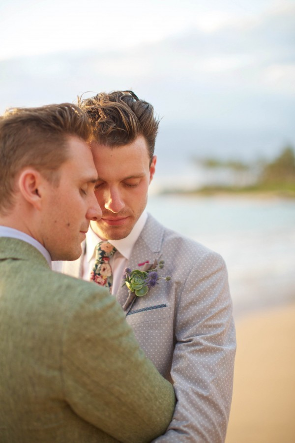 Family-Style-Wedding-on-the-Beach-at-Andaz-Maui-Anna-Kim-Photography-455