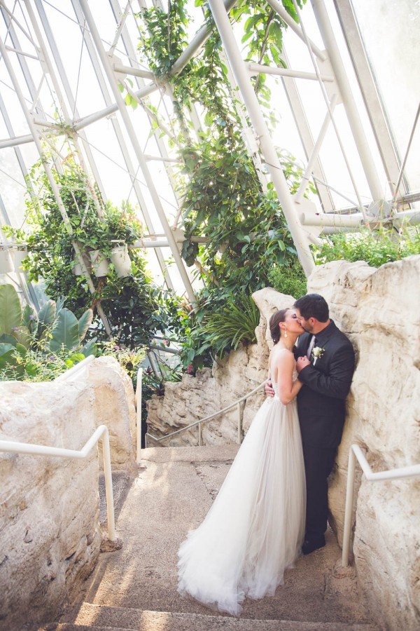 Intimate-Houston-Museum-of-Natural-Science-Wedding-Ama-Photography-and-Cinema-044