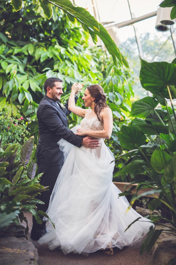 Intimate-Houston-Museum-of-Natural-Science-Wedding-Ama-Photography-and-Cinema-047