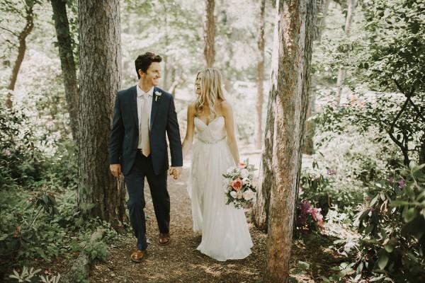 Modern-Organic-Wedding-at-Ann-Arbor-Distilling-Co-Justine-Montigny-012