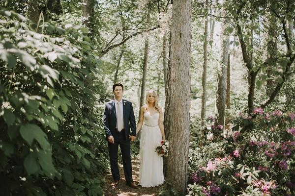 Modern-Organic-Wedding-at-Ann-Arbor-Distilling-Co-Justine-Montigny-013