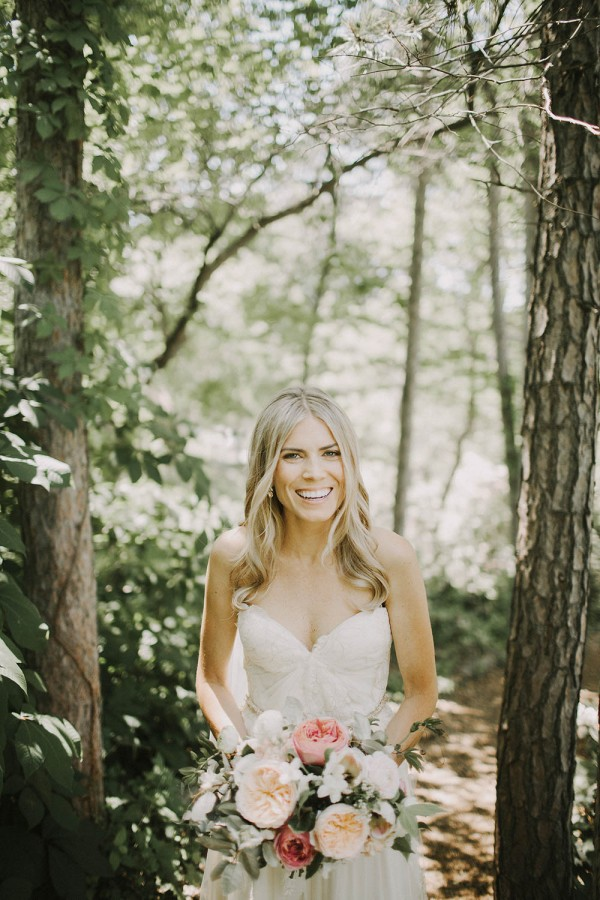 Modern-Organic-Wedding-at-Ann-Arbor-Distilling-Co-Justine-Montigny-015