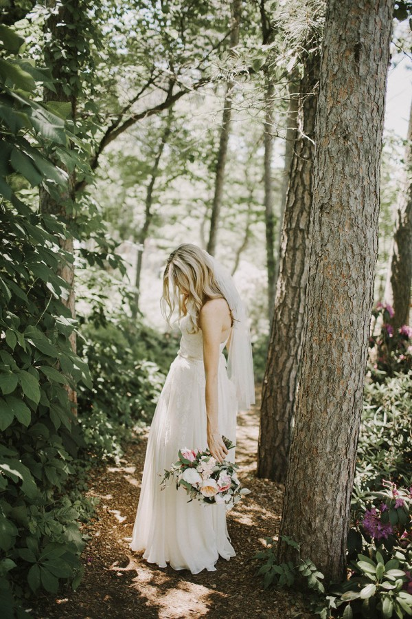 Modern-Organic-Wedding-at-Ann-Arbor-Distilling-Co-Justine-Montigny-018