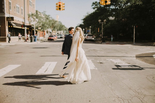 Modern-Organic-Wedding-at-Ann-Arbor-Distilling-Co-Justine-Montigny-068