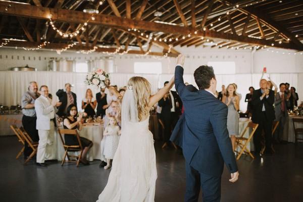 Modern-Organic-Wedding-at-Ann-Arbor-Distilling-Co-Justine-Montigny-090