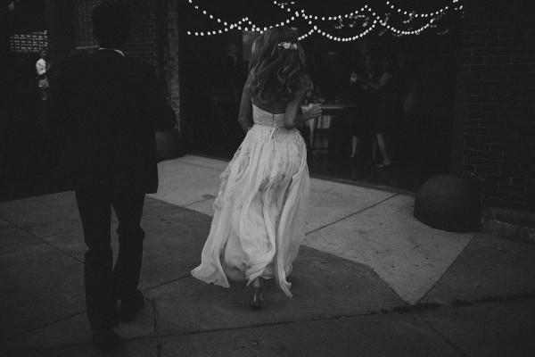 Modern-Organic-Wedding-at-Ann-Arbor-Distilling-Co-Justine-Montigny-106
