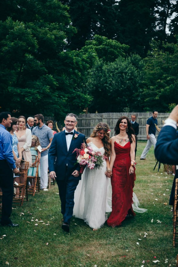 Multicultural-Inspired-Wedding-at-The-Captain-Whidbey-Inn-Julia-Kinnunen-Photography-2-8