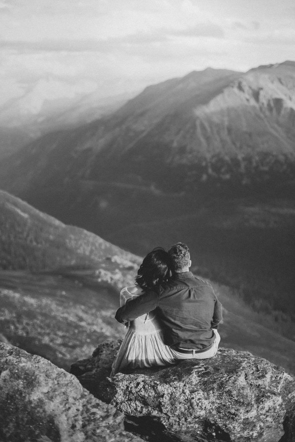 Thrilling-Rocky-Mountain-National-Park-Engagement-Photos-Boris-Zaretsky-Photography-2