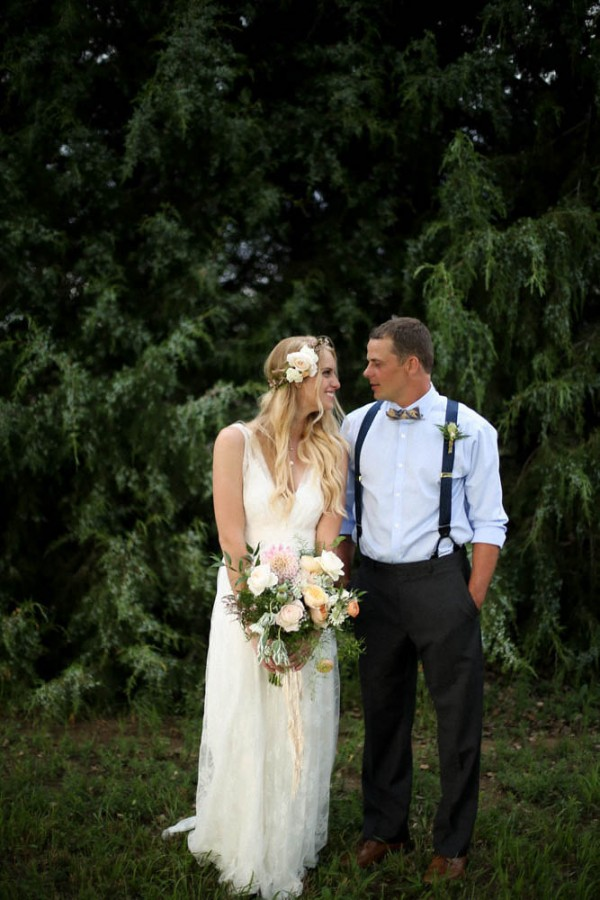 bohemian backyard wedding in colorado 29 of 30