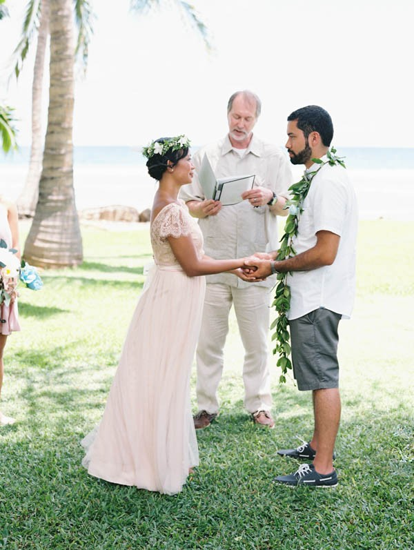 Colorful Vintage Hawaiian Wedding At Olowalu Plantation House