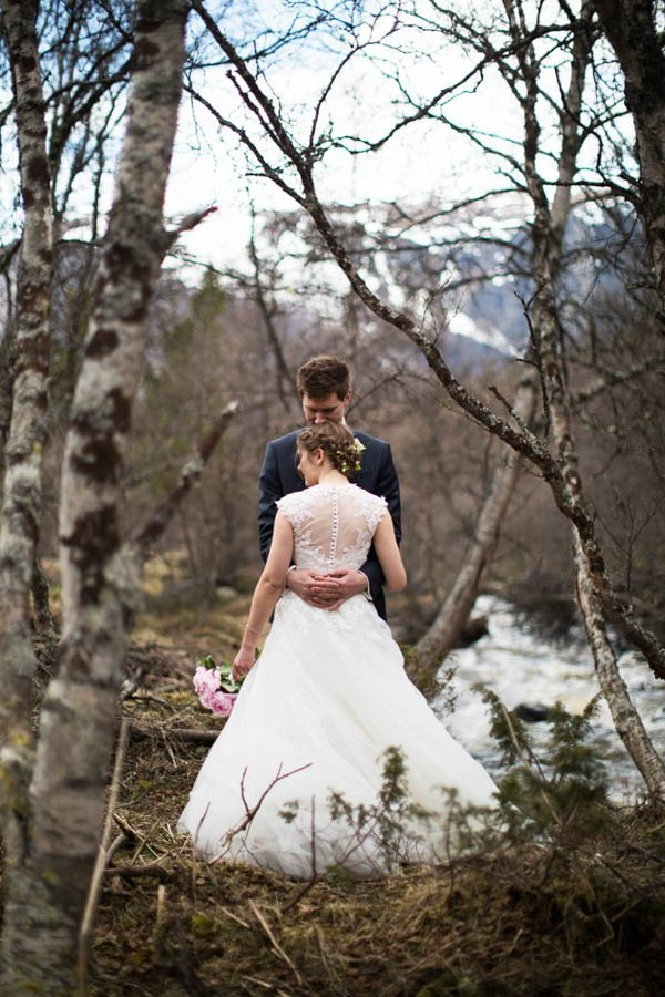 Cozy-Norwegian-Wedding-at-Roisheim-Hotell-Mona-Moe-Machava-Photography-2
