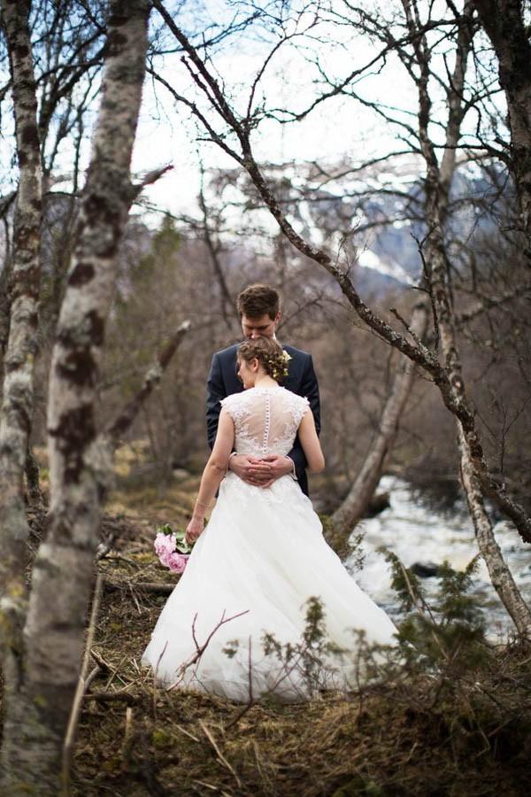 Cozy-Norwegian-Wedding-at-Roisheim-Hotell-Mona-Moe-Machava-Photography-2