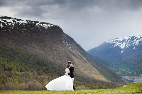 Cozy-Norwegian-Wedding-at-Roisheim-Hotell-Mona-Moe-Machava-Photography-41