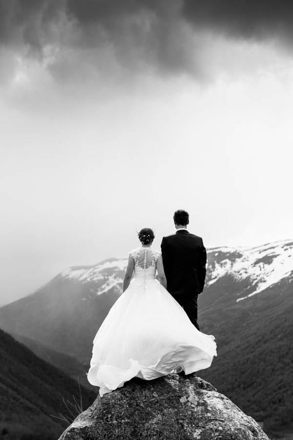 Cozy-Norwegian-Wedding-at-Roisheim-Hotell-Mona-Moe-Machava-Photography-58