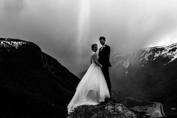 Cozy-Norwegian-Wedding-at-Roisheim-Hotell-Mona-Moe-Machava-Photography-66