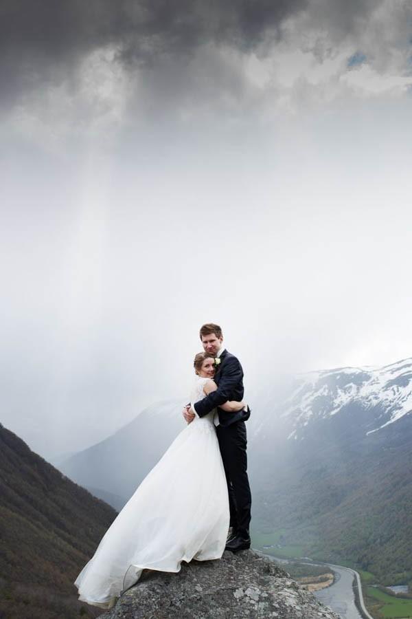 Cozy-Norwegian-Wedding-at-Roisheim-Hotell-Mona-Moe-Machava-Photography-69
