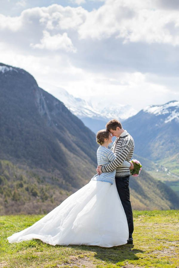 Cozy-Norwegian-Wedding-at-Roisheim-Hotell-Mona-Moe-Machava-Photography-78