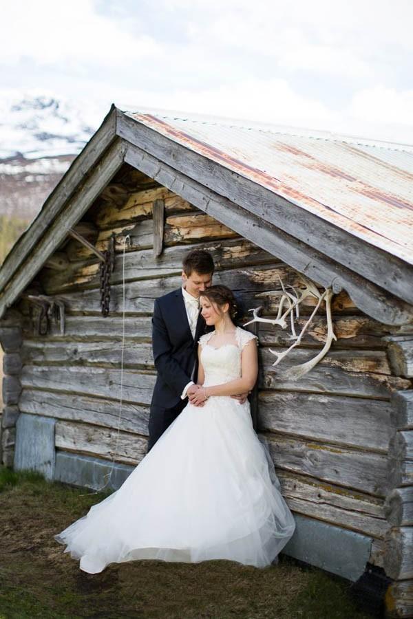 Cozy-Norwegian-Wedding-at-Roisheim-Hotell-Mona-Moe-Machava-Photography-92