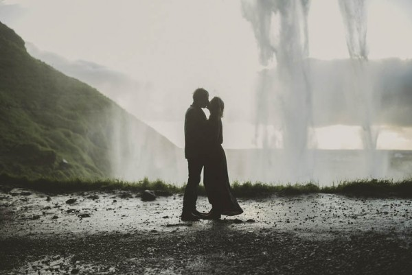 Intimate-Natural-Couple-Portraits-in-Iceland-Charis-Rowland-Photography-11