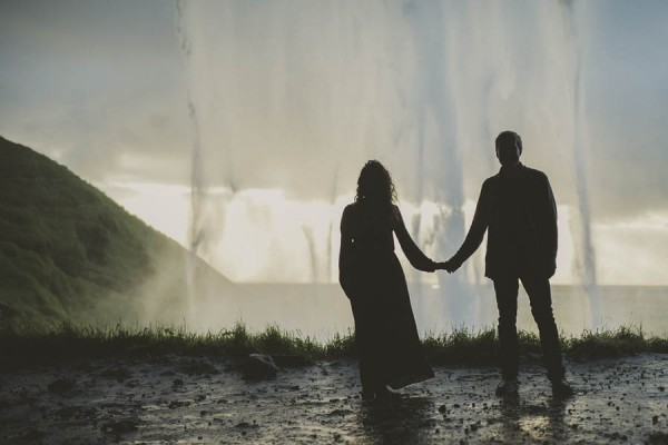 Intimate-Natural-Couple-Portraits-in-Iceland-Charis-Rowland-Photography-33