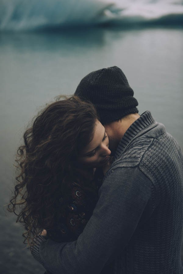 Intimate-Natural-Couple-Portraits-in-Iceland-Charis-Rowland-Photography-358