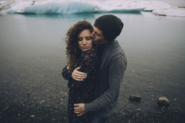 Intimate-Natural-Couple-Portraits-in-Iceland-Charis-Rowland-Photography-360