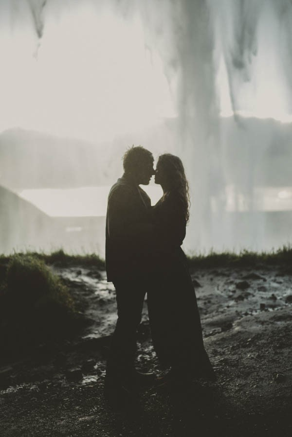 Intimate-Natural-Couple-Portraits-in-Iceland-Charis-Rowland-Photography-5