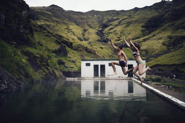 Intimate-Natural-Couple-Portraits-in-Iceland-Charis-Rowland-Photography-58