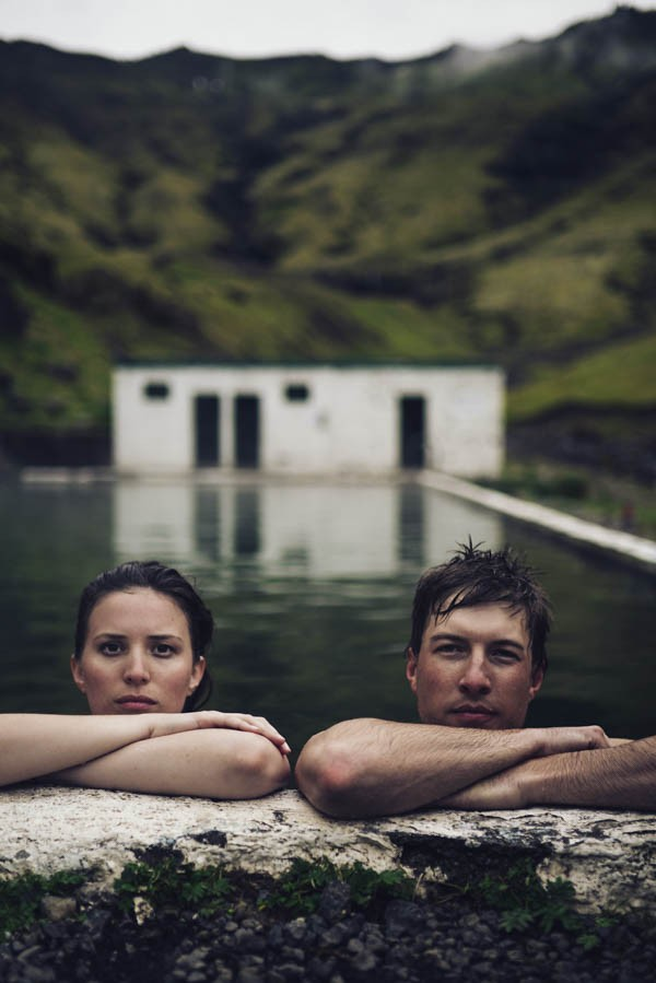 Intimate-Natural-Couple-Portraits-in-Iceland-Charis-Rowland-Photography-62