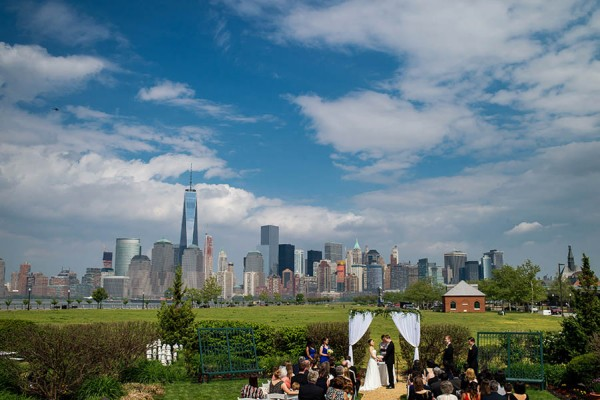 New-Jersey-Garden-Wedding-at-Liberty-House-Restaurant-Daniel-Moyer--10
