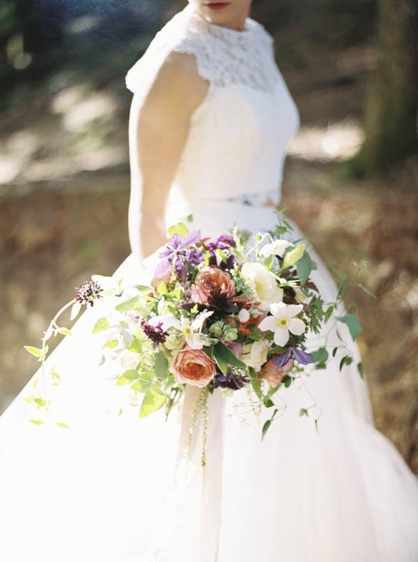 Pacific-Northwest-Wedding-Inspiration-at-Rattlesnake-Ledge-Sweet-Pea-Events-003