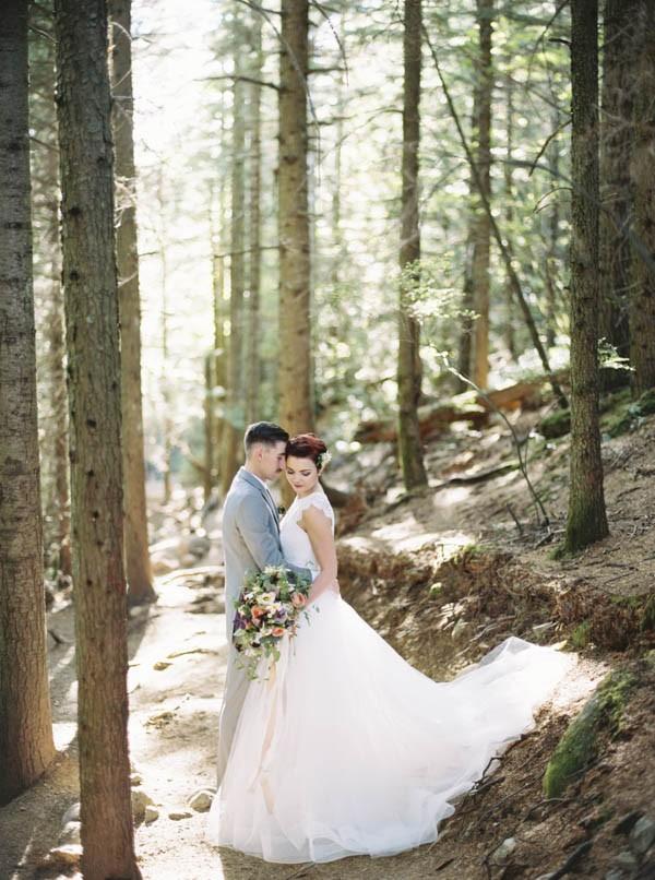 Pacific-Northwest-Wedding-Inspiration-at-Rattlesnake-Ledge-Sweet-Pea-Events-005