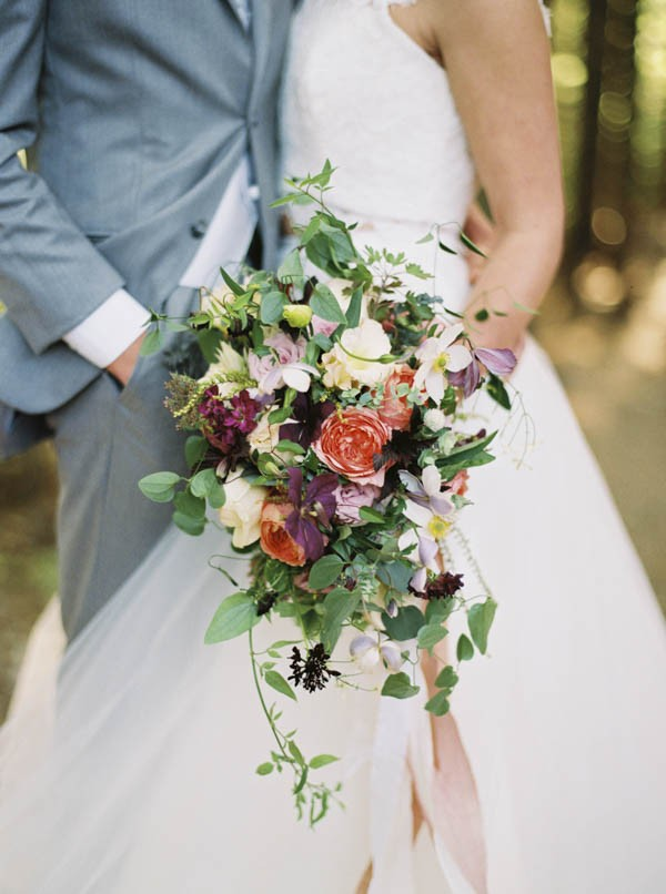 Pacific-Northwest-Wedding-Inspiration-at-Rattlesnake-Ledge-Sweet-Pea-Events-013