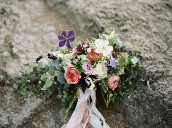 Pacific-Northwest-Wedding-Inspiration-at-Rattlesnake-Ledge-Sweet-Pea-Events-027