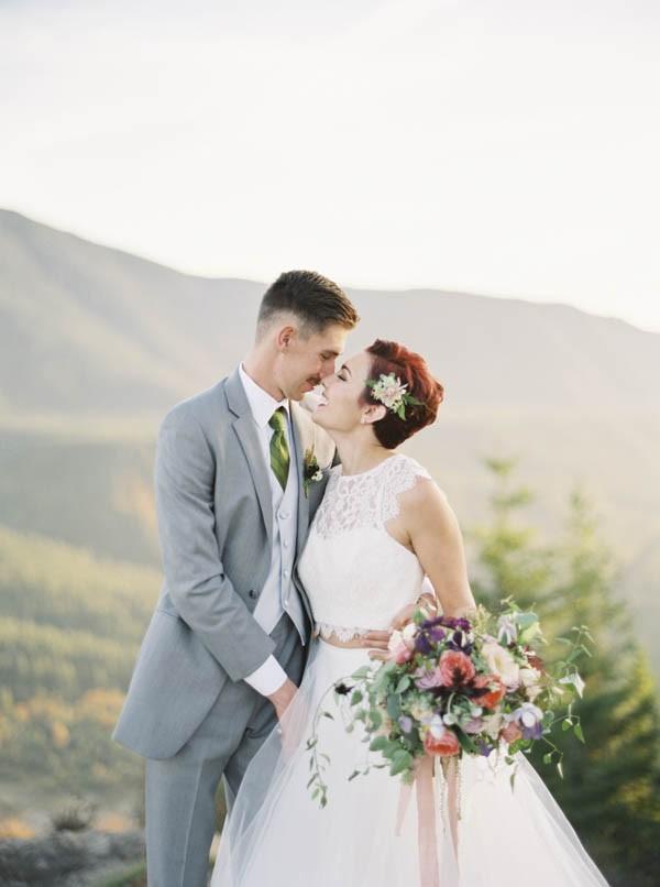 Pacific-Northwest-Wedding-Inspiration-at-Rattlesnake-Ledge-Sweet-Pea-Events-083