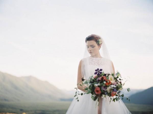 Pacific-Northwest-Wedding-Inspiration-at-Rattlesnake-Ledge-Sweet-Pea-Events-089