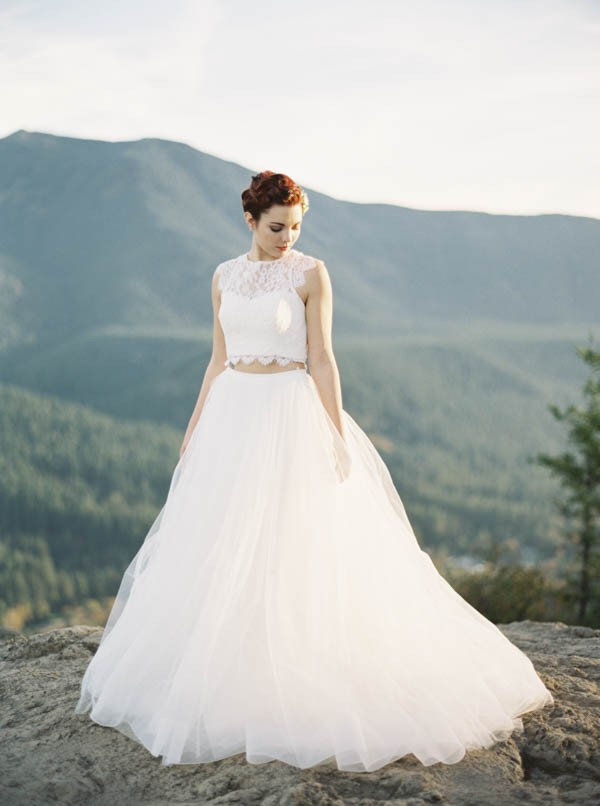 Pacific-Northwest-Wedding-Inspiration-at-Rattlesnake-Ledge-Sweet-Pea-Events-091