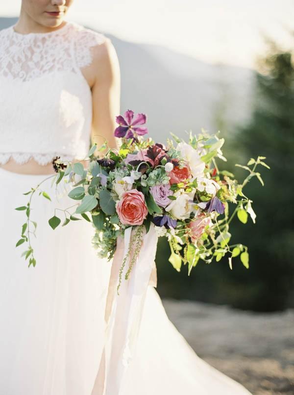 Pacific-Northwest-Wedding-Inspiration-at-Rattlesnake-Ledge-Sweet-Pea-Events-095