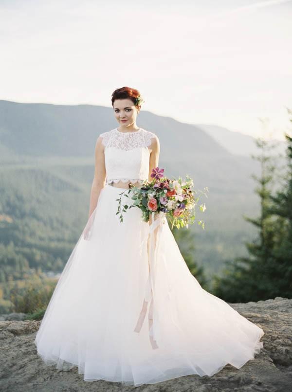 Pacific-Northwest-Wedding-Inspiration-at-Rattlesnake-Ledge-Sweet-Pea-Events-098