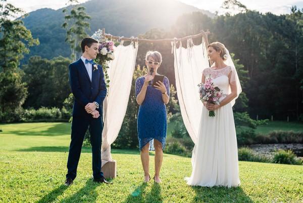 Romantic-Australian-Wedding-at-Mount-Warning (16 of 35)